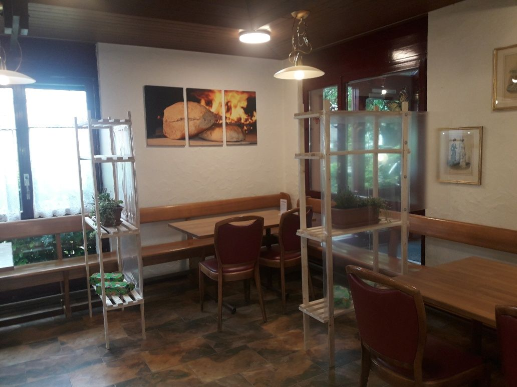 Tea-Room 3